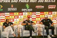 SÃO PAULO - SP - 02 DE MAIO 2013. INDY 300 - Helio Castroneves, da Penske/Chevrolet, é o atual líder da temporada e tricampeão das 500 Milhas de Indianápolis. Bia Figueiredo, da Dale Coyne, é a única brasileira a pilotar um carro em uma categoria top do automobilismo, e Tony Kanaan, da KV, campeão em 2004 da F-Indy, completará a 200ª largada consecutiva na categoria. Durante coletiva de imprensa, nesta quinta-feira (02), sobre suas expectativas para a corrida do fim de semana em São Paulo. FOTO: MAURICIO CAMARGO / BRAZIL PHOTO PRESS.