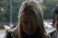 SAO PAULO, SP, 23 DE JUNHO DE 2013 -  CASO BIANCA CONSOLI. A irmã de Bianca, Daiana Consoli chega para o julgamento do motoboy Sandro Dota, no Fórum Criminal da Barra Funda em São Paulo, SP, nesta terça-feira (23). Ele é acusado de matar a estudante Bianca Consoli, 19 anos, em setembro de 2011. FOTO: MAURICIO CAMARGO / BRAZIL PHOTO PRESS