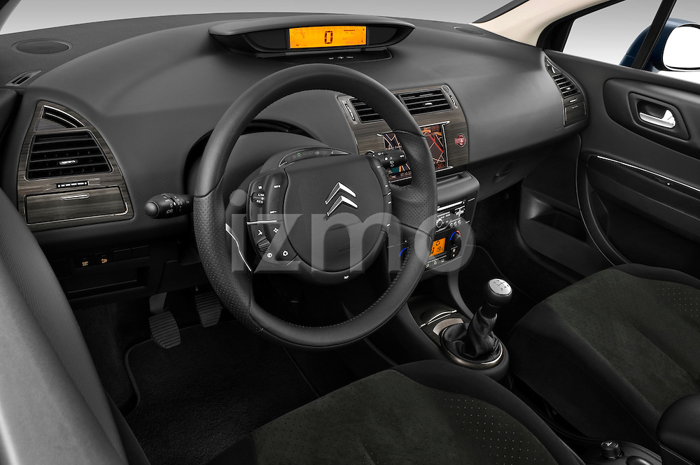 High angle dashboard view of a 2009 Citroen C4 Executive 5 Door Hatchback