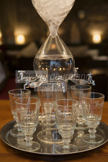 """Europe/France/Rhône-Alpes/42/Loire/Saint-Etienne:"""" L'Absinthe Café""""-  détail service à absinthe"""