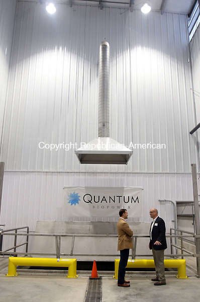 SOUTHINGTON CT. 15 November 2016-111516SV07-Guests check out the food drop off area at Quantum Power's anaerobic digester, which opened with a ribbon cutting, in Southington Tuesday.<br /> Steven Valenti Republican-American