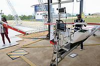 RWANDA, Gitarama, Muhanga, zipline drone airport , zipline is a american start-up and delivers Blood preserve and medical drugs by battery powered drone to rural health centers, the battery driven Zip 2 can travel at a top speed around 79 miles per hour, carrying 3.85 pounds of cargo and has a range of 160 km round trip, the delivery box is dropped by a small parachute, launching ramp / RUANDA, Gitarama, Muhanga, zipline Drohnen Flugstation, zipline ist ein amerikanisches start-up und transportiert Blutkonserven und Medikamente mit Drohnen wie der Zip 2 zu ländlichen Krankenstationen, die Zip 2 hat fuer einen Rundflug eine Reichweite von 130 km, die Batterie betriebene und ferngesteuerte Drohne wirft die Sendung per Fallschirm ab, Hangar mit Startrampe, Anbringung der Tragflaeche