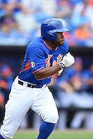 New York Mets outfielder Eric Young (22) during a spring training game against the Washington Nationals on March 27, 2014 at Tradition Field in St. Lucie, Florida.  Washington defeated New York 4-0.  (Mike Janes/Four Seam Images)