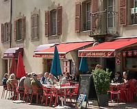 Switzerland, Canton Valais, Sion: Brasserie La Croix Fédérale in old town | Schweiz, Kanton Wallis, Sion (Sitten): Brasserie La Croix Fédérale in der Altstadt