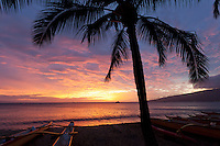 A spectacular sunset at Kihei, Maui.