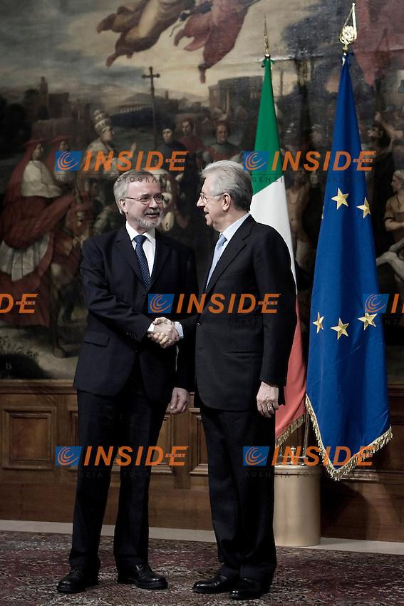 Il Presidente della BEI Werner Hoyer e il Presidente del Consiglio Mario Monti.Roma 19/03/2012 Incontro a Palazzo Chigi tra il Presidente del Consiglio Italiano e  il Presidente della BEI.Foto Serena Cremaschi Insidefoto
