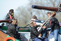 ZEILEN: LANGWEER: 18-05-2015, zo'n 40 IFKS Skûtsjes en het Langweerder SKS Skûtsje, ©foto Martin de Jong