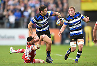 Matt Banahan of Bath Rugby looks to offload the ball after being tackled. Aviva Premiership match, between Bath Rugby and Gloucester Rugby on October 29, 2017 at the Recreation Ground in Bath, England. Photo by: Patrick Khachfe / Onside Images