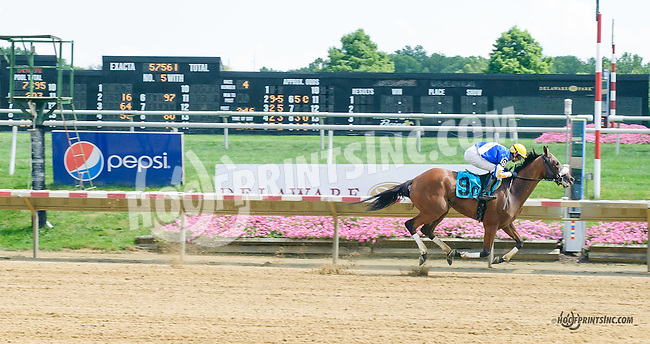 Royal Marine winning at Delaware Park on 8/12/15