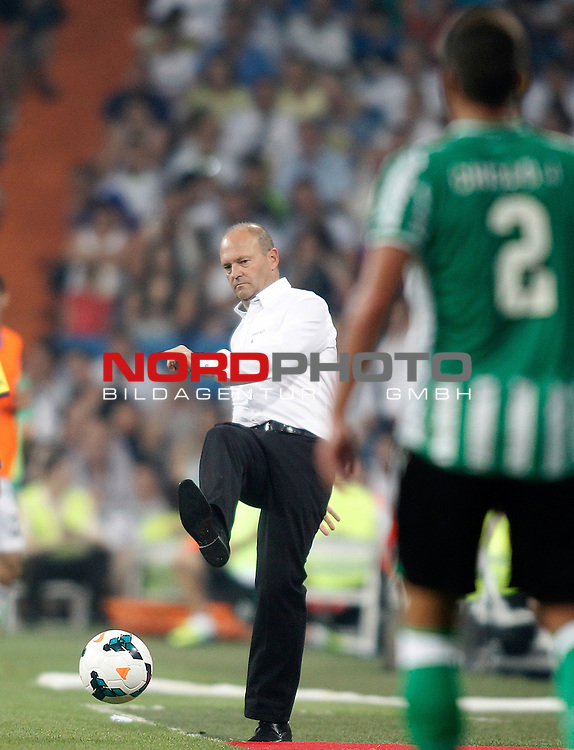 Betis' coach Pepe Mel during La Liga match.August 18,2013. Foto © nph / Acero)