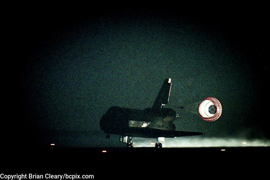 Landing, Space Shuttle  Atlantis, STS 106 Mission, September 2000, Kennedy Space Center, Titusville, FL.  Crew:  Commander Terrence W. Wilcutt, Pilot Scott D. Altman, Mission Specialists Daniel C. Burbank, Edward T. Lu, Richard A. Mastracchio, Yuri I. Malenchenko and Boris V. Morokov.  (Photo by Brian Cleary/bcpix.com)