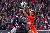 Torwart Lukas Hradecky (Bayer Leverkusen) hält gegen Bas Dost (Eintracht Frankfurt) - 18.10.2019: Eintracht Frankfurt vs. Bayer 04 Leverkusen, Commerzbank Arena, <br /> DISCLAIMER: DFL regulations prohibit any use of photographs as image sequences and/or quasi-video.