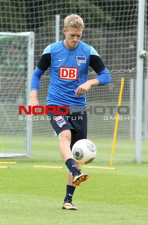 27.08.2013, Sportpark, Berlin, GER, 1.FBL, Hertha BSC , Training, im Bild Johannes van den Bergh (Hertha BSC Berlin)<br /> <br />               <br /> Foto &not;&copy; nph /  Schulz