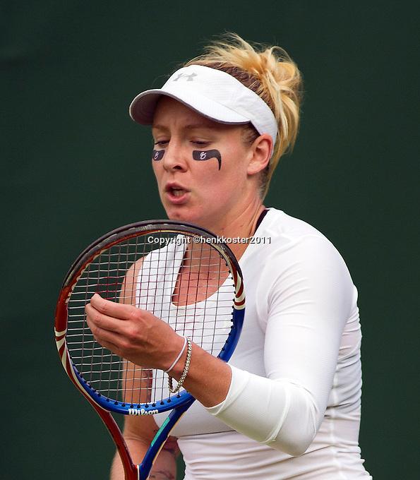 22-06-11, Tennis, England, Wimbledon, Matek-Sands met gezichtspaint