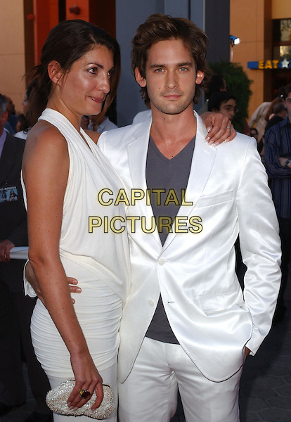 WILL KEMP and his wife.Attending the world premiere of movie Van Helsing at The Universal City Walk in Universal City, California..May 3rd 2004.half length half-length white suit dress matching hugging.*UK sales only*.www.capitalpictures.com.sales@capitalpictures.com.©Capital Pictures