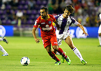 Real Valladolid´s Alvaro Rubio (r) and Getafe's Diego Castro during La Liga match.August 31,2013. (ALTERPHOTOS/Victor Blanco)