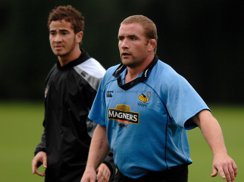 Photo: Richard Lane..London Wasps training session. 06/10/2006. .Wasps' Phil Vickery as he prepares to return from injury.