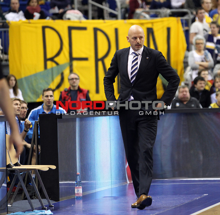 05.11.2013, O2 world, Berlin, GER, 1.BBL, ALBA Berlin vs BCM Graveline, im Bild Cheftrainer (Head Coach) Sasa Obradovic (ALBA Berlin)<br /> <br />               <br /> Foto &copy; nph /  Schulz