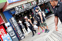 Sammi, Pauly D and Snooki pictured leaving the Shore Store during filming of The Jersey Shore Show season six in Seaside Heights, New Jersey on June 25, 2012  © Star Shooter / MediaPunchInc *NORTEPHOTO* **SOLO*VENTA*EN*MEXICO** **CREDITO*OBLIGATORIO** **No*Venta*A*Terceros** **No*Sale*So*third** *** No*Se*Permite Hacer Archivo** **No*Sale*So*third** *Para*más*información:*email*NortePhoto@gmail.com*web*NortePhoto.com*
