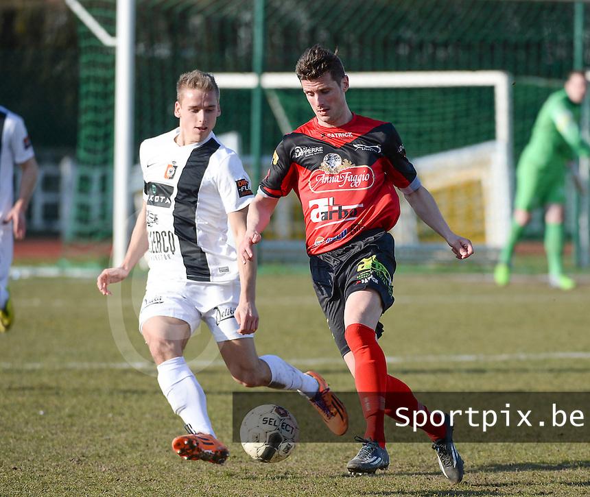 KFC Izegem - SK Deinze : Wim Vandoorne (r) aan de bal voor Alessio Staelens (links) <br /> foto VDB / BART VANDENBROUCKE