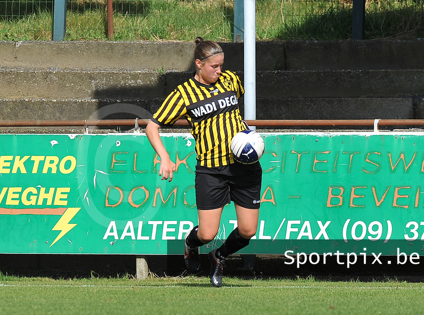 Club Brugge Dames - WD Lierse SK : Lenie Onzia.foto DAVID CATRY / Vrouwenteam.be