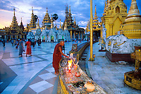 Twilight at the Shwedagon Pagoda, Yangon (Rangoon), Yangon, Myanmar (Burma)