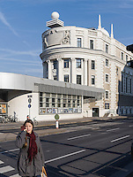 Volksbildungshaus und Sternwarte Urania von 1910 beim Schwedenplatz, Wien &Ouml;sterreich, UNESCO-Weltkulturerbe<br /> Education institution and observatory Urania built 1910 at Schwedenplatz, Vienna, Austria, world heritage