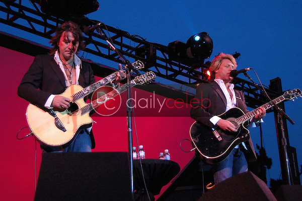 Richie Sambora and Jon Bon Jovi<br />at a Special Outdoor Screening of &quot;An Inconvenient Truth&quot;. Grand Performances, Los Angeles, CA. 06-24-06<br />Dave Edwards/DailyCeleb.com 818-249-4998