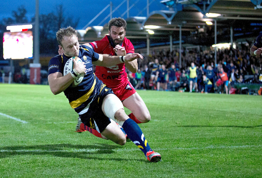 Worcester Warriors' Chris Pennell crosses the try line to score Worcester Warriors match winning try<br /> <br /> Photo by Rachel Holborn/CameraSport<br /> <br /> Rugby Union - Greene King Championship Final 2nd Leg - Worcester Warriors v Bristol - Wednesday 27th May 2015 - Sixways Stadium - Worcester<br /> <br /> &copy; CameraSport - 43 Linden Ave. Countesthorpe. Leicester. England. LE8 5PG - Tel: +44 (0) 116 277 4147 - admin@camerasport.com - www.camerasport.com