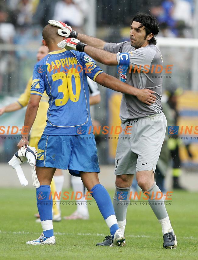 Massimo Zappino (Frosinone) Gianluigi Buffon (Juventus)<br /> Italian &quot;Serie B&quot; 2006-2007 <br /> 1 May 2007 (Match Day 31)<br /> Frosinone Juventus (0-2)<br /> &quot;Matusa&quot; Stadium-Frosinone-Italy<br /> Photographer:Andrea Staccioli INSIDE