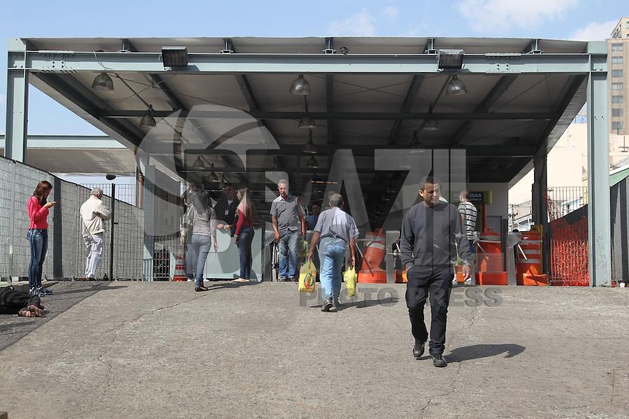 SAO PAULO, SP, 21/05/2014, GREVE DE ONIBUS. O terminal Pq. D. Pedro no centro de Sao Paulo, esta fechado nessa quarta-feira (21), devido a greve dos motoristas e cobradores. LUIZ GUARNIERI/BRAZIL PHOTO PRESS.