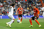 Real Madrid´s Marcelo (L) and Shakhtar Donetsk´s Marlos during Champions League soccer match between Real Madrid and Shakhtar Donetsk at Santiago Bernabeu stadium in Madrid, Spain. Spetember 15, 2015. (ALTERPHOTOS/Victor Blanco)