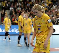 Handball Champions League  Frauen Damen - HCL HC Leipzig : HYPO Niederösterreich - Arena Leipzig - im Bild: Sara Eriksson (HCL, #11) deprimiert. Porträt Portrait. Foto: Norman Rembarz...