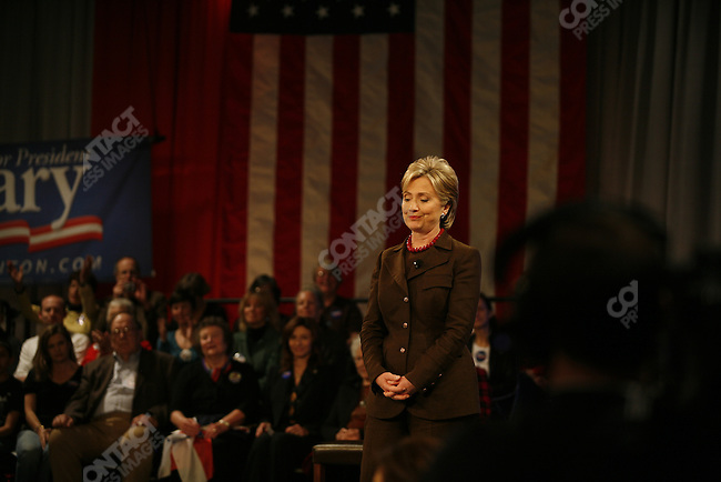Senator HIllary Clinton (D-NY), potential Democratic presidential candidate, accompanied by her daugher, Chelsea, held a rally hosted by actress Eva Longoria at the Austin Convention Center. Actors Ted Danson and Melanie Griffith also appeared to show their support. Austin, Texas, March 3, 2008.