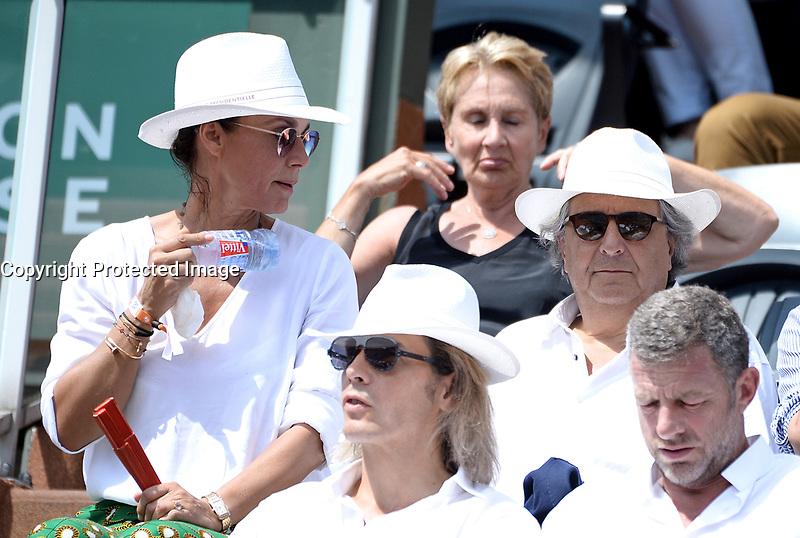 Christian Clavier et sa compagne - Internationaux de france de tennis de Roland Garros 2017 - Finale MESSIEURS