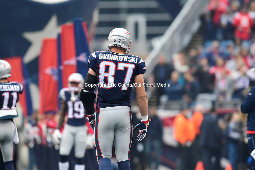 Sunday, October 2, 2016: New England Patriots tight end Rob Gronkowski (87) at the NFL game between the Buffalo Bills and the New England Patriots held at Gillette Stadium in Foxborough Massachusetts. Buffalo defeats New England 16-0. Eric Canha/Cal Sport Media