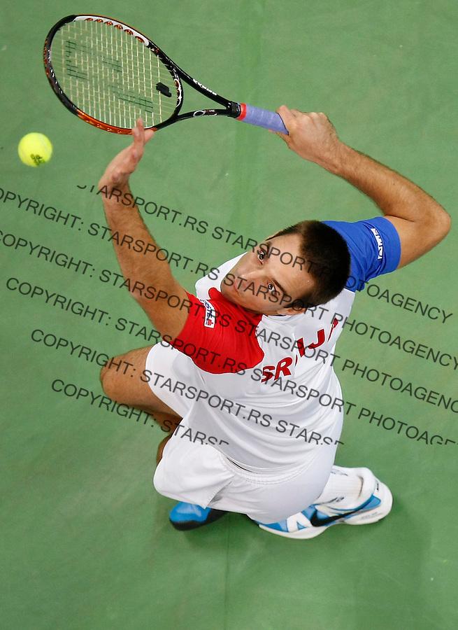 Tenis, Davis Cup 2010.Serbia Vs. Czech Republic, semifinals.Viktor Troicki Vs. Radek Stepanek.Viktor Troicki, serve.Beograd, 17.09.2010..foto: Srdjan Stevanovic/Starsportphoto ©
