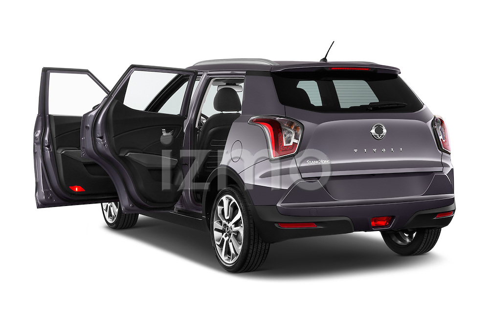 Car images of 2015 Ssangyong Tivoli Quartz 5 Door Suv Doors
