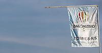 TORRES, RS, 02 DE MAIO 2013 - FESTIVAL INTERNACIONAL  DE BALONISMO - PrimeIra prova no Festival Internacional de Balonismo em Torres litoral norte do Rio Grande do Sul, na manha desta quinta-feira, 02. O evento reunirá pilotos de vários lugares do mundo como Argentina, Peru, Austrália, França e Reino Unido e segue até domingo (5).  (FOTO: WILLIAM VOLCOV / BRAZIL PHOTO PRESS).