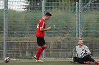 Ivo Kessler (TSG Worfelden) erzielt das Tor zum 1:1 gegen Dominic Zell (SG DJK Eintracht Ruesselsheim) und jubelt - 06.09.2020: Spiel der Woche - TSG Worfelden vs. SG DJK Eintracht Rüsselsheim, B-Liga
