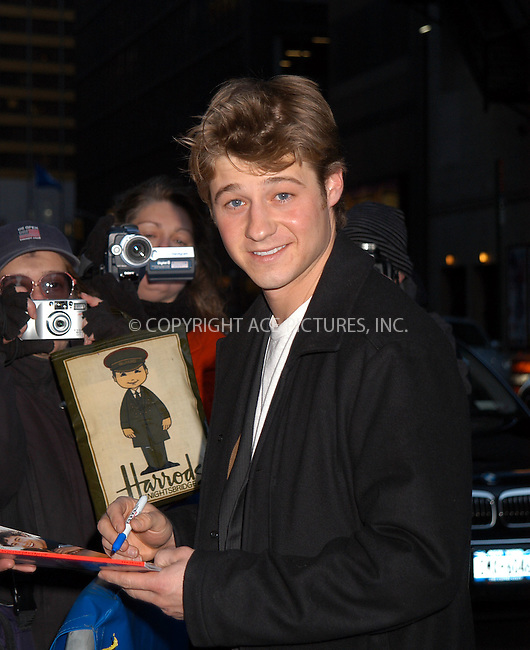 Benjamin McKenzie arrives at Ed Sullivan Theater to make an appearance on 'The Late Show With David Letterman.' New York, February 25, 2004. Please byline: AJ SOKALNER/ACE Pictures.   ..*PAY-PER-USE*      ....IMPORTANT: Please note that our old trade name, NEW YORK PHOTO PRESS (NYPP), is replaced by new name, ACE PICTURES. New York Photo Press and ACE Pictures are owned by All Celebrity Entertainment, Inc.......All Celebrity Entertainment, Inc:  ..contact: Alecsey Boldeskul (646) 267-6913 ..Philip Vaughan (646) 769-0430..e-mail: info@nyphotopress.com
