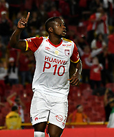 BOGOTA - COLOMBIA - 23 - 04 - 2017: Leyvin Balanta, jugador de R Independiente Santa Fe, celebra el gol anotado a Independiente Santa Fe, durante partido de la fecha 14 entre Independiente Santa Fe y Rionegro Aguilas, por la Liga Aguila I-2017, en el estadio Nemesio Camacho El Campin de la ciudad de Bogota. / Leyvin Balanta, player of  Independiente Santa Fe, celebrates a goal scoring to Independiente Santa Fe during a match of the date 14 between Independiente Santa Fe and Rionegro Aguilas, for the Liga Aguila I -2017 at the Nemesio Camacho El Campin Stadium in Bogota city, Photo: VizzorImage / Luis Ramirez / Staff.