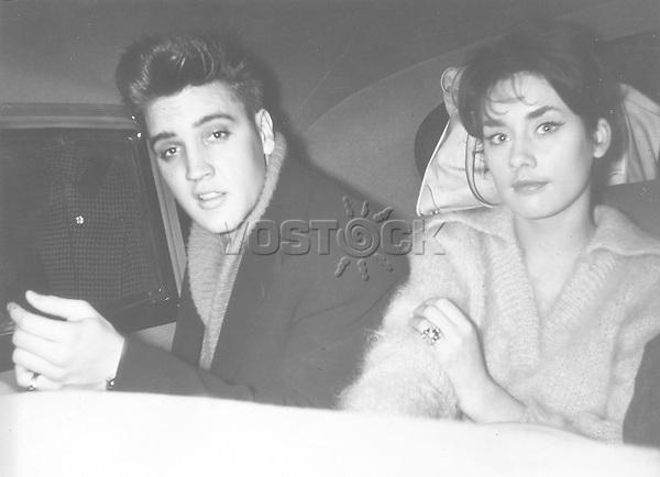 Presley, Elvis *08.01.1935-16.08.1977+<br /> Saenger, Schauspieler, USA <br /> <br /> - mit der Schauspielerin Vera Tschechowa<br /> <br /> - 1959<br /> <br /> - 01.01.1959-31.12.1959<br /> <br /> Es obliegt dem Nutzer zu pr&uuml;fen, ob Rechte Dritter an den Bildinhalten der beabsichtigten Nutzung des Bildmaterials entgegen stehen.