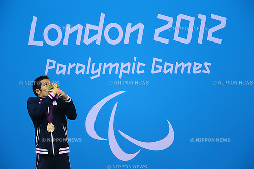 Yasuhiro Tanaka (JPN), .SEPTEMBER 6, 2012 - Swimming : Yasuhiro Tanaka of Japan celebrates his Gold Medal during the Men's 100m Breaststroke SB14 final .at Olympic Park - Aquatics Centre .during the London 2012 Paralympic Games in London, UK. (Photo by Akihiro Sugimoto/AFLO SPORT) [1081]