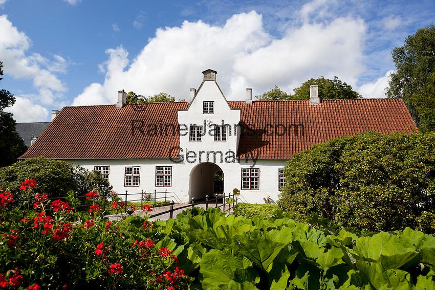 Denmark, Jutland, Møgeltønder: Gatehouse of Schackenborg, royal castle given to Field Marshal Hans Schack, victor of the battle of Nyborg in 1661   Daenemark, Juetland, Møgeltønder: Eingangsgebaeude zum Schloss Schackenborg