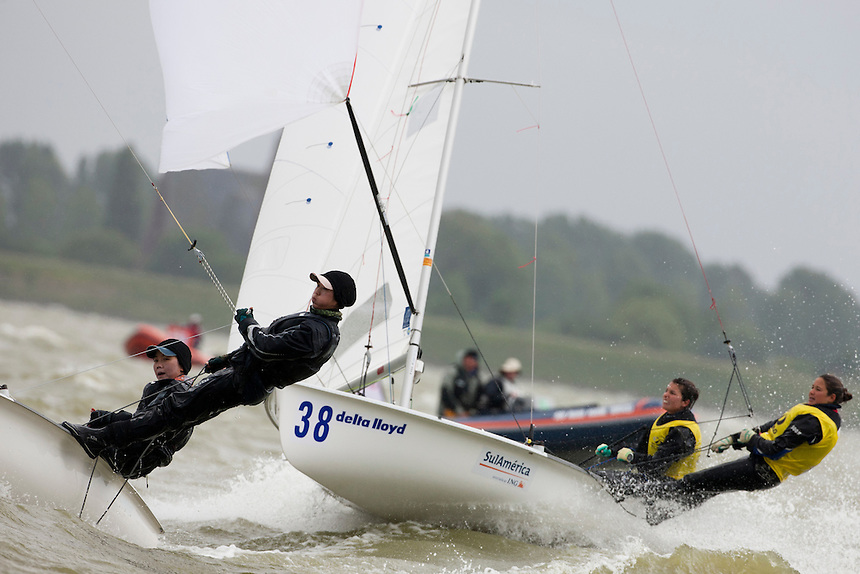 Fernanda Oliveira and An Luiza Barbachan, BRA 470 women, Day 4, May 27th, Delta Lloyd Regatta in Medemblik, The Netherlands (26/30 May 2011).