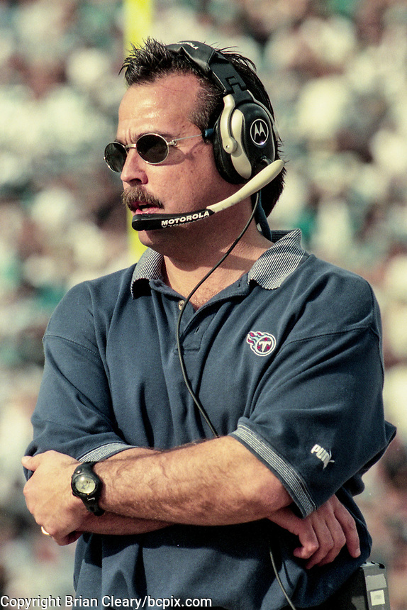 Tennessee Head Coach Jeff Fisher, NFL AFC Championship game, which the Tennessee Titans won over the Jacksonville Jaguars 33-14 on January 23, 2000 in Jacksonville, FL.  (Photo by Brian Cleary/bcpix.com)