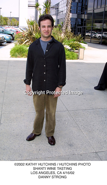 ©2002 KATHY HUTCHINS / HUTCHINS PHOTO.SHANTI WINE TASTING.LOS ANGELES, CA 4/16/02.DANNY STRONG