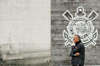 São Paulo, 29 de OUTUBRO - TREINO CORINTHIANS - O técnico Tite durante o treino de hoje, 29, no Ct. Dr. Joaquim Grava, na zona leste da capital. O time se prepara para enfrentar o time do Vitória, no próximo domingo, na Bahia. foto: Paulo Fischer/Brazil Photo Press.
