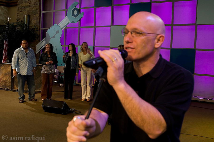 choir practice at saddleback church prior to the start of sunday services<br />
